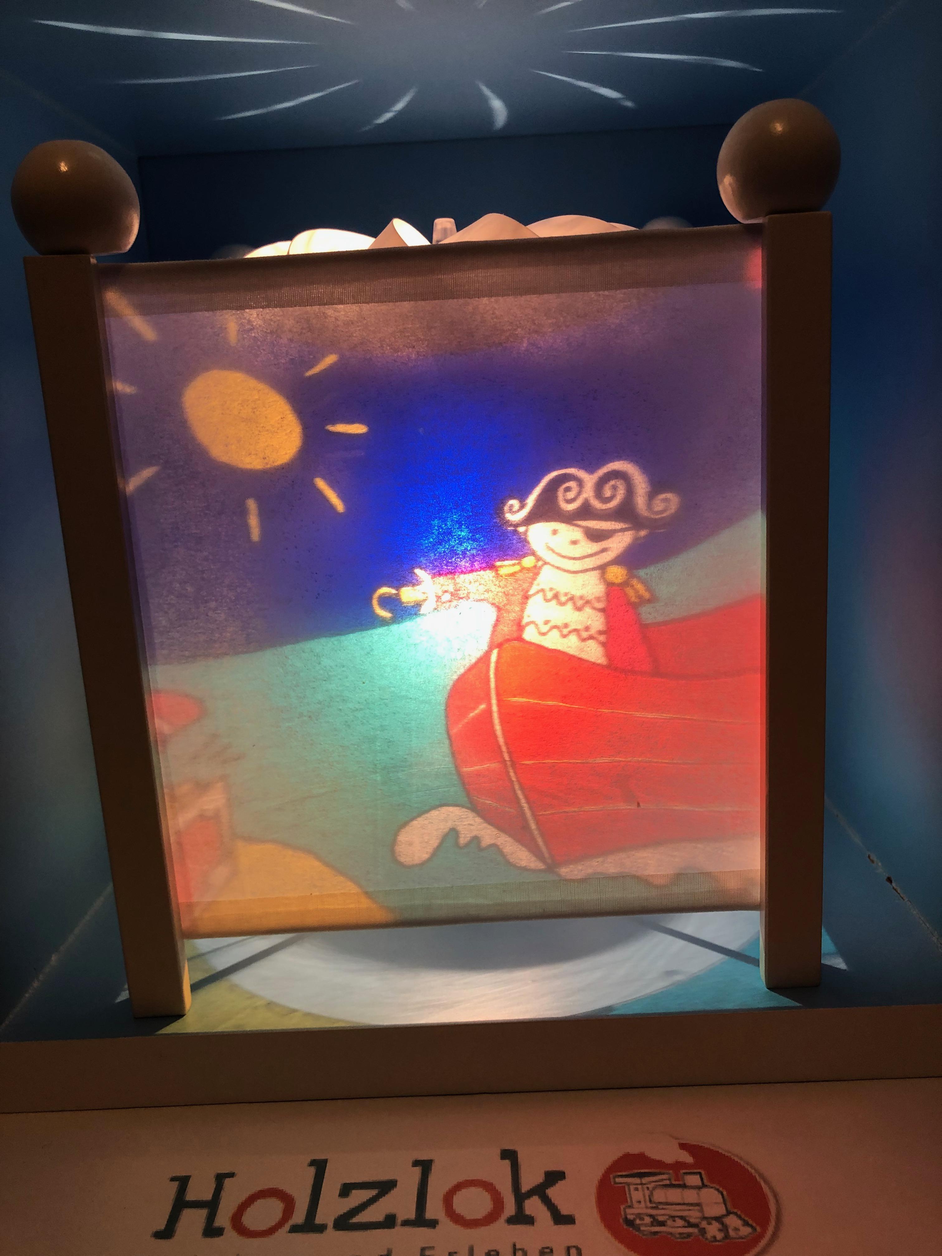 Trousselier Nachtlicht, Magische Laterne Pirat, mit weißen Ecksäulen